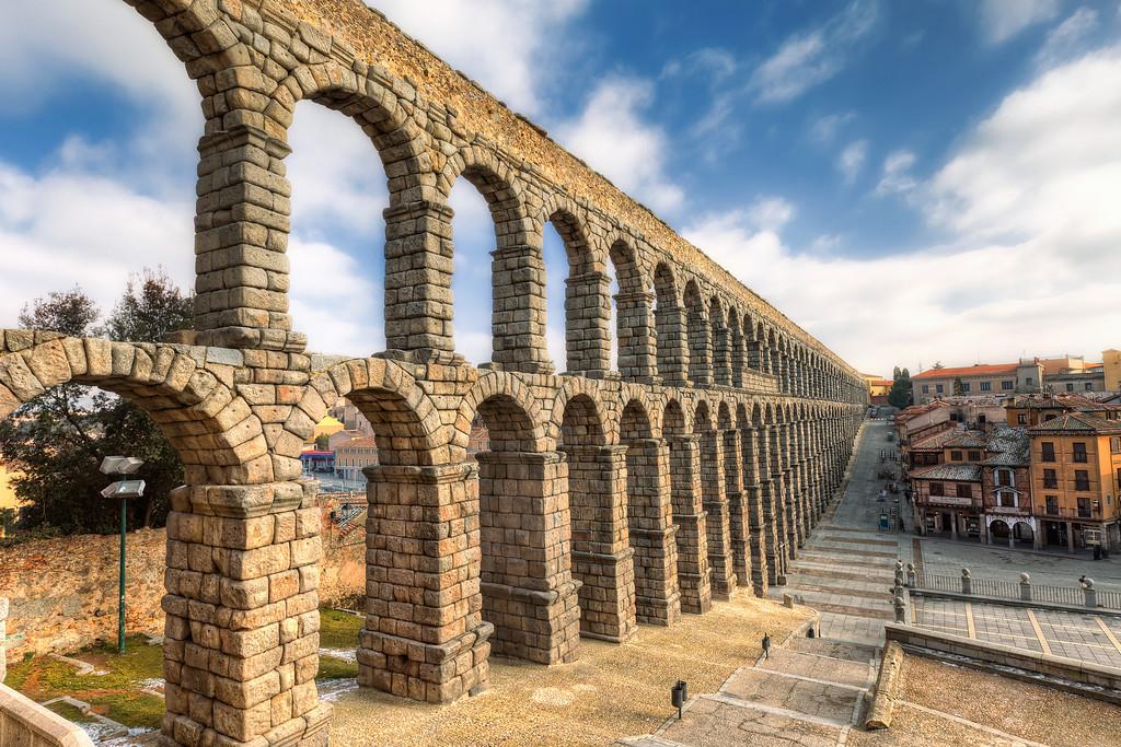 Aqueduct of Segovia - HDRshooter