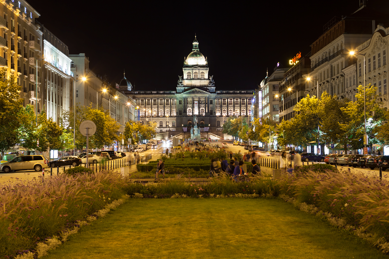 Late hour on the wenceslas square process hdrshooter for Prague square
