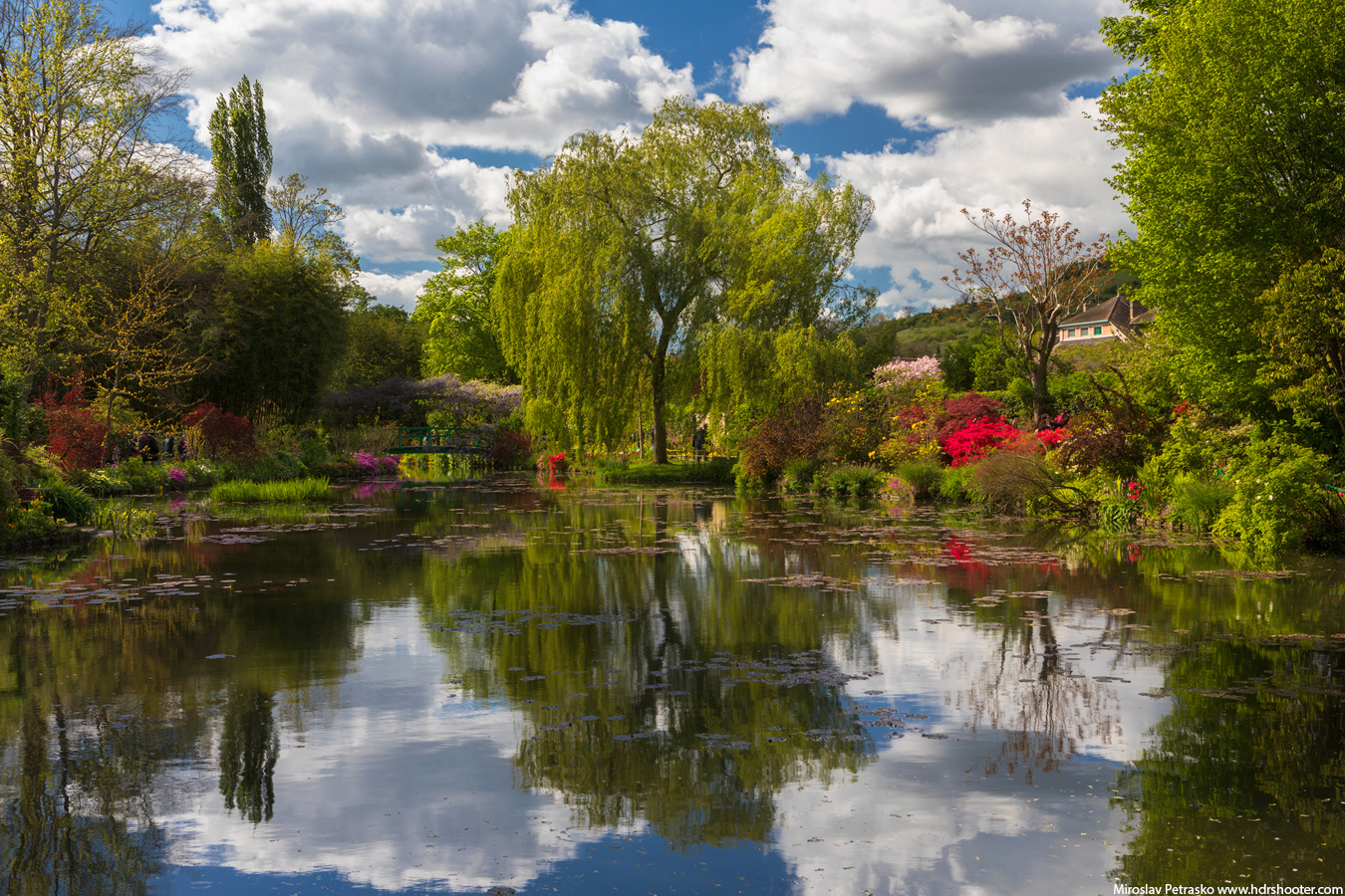 Claude Monet\'s garden at Giverny - HDRshooter